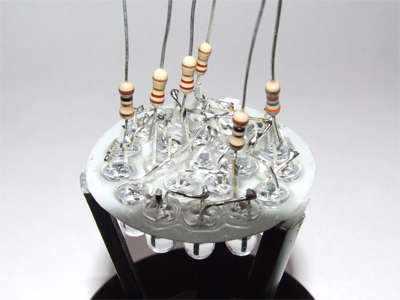 Самодельный фонарик на светодиодах. Переделываем галогеновую лампочку в светодиодную своими руками