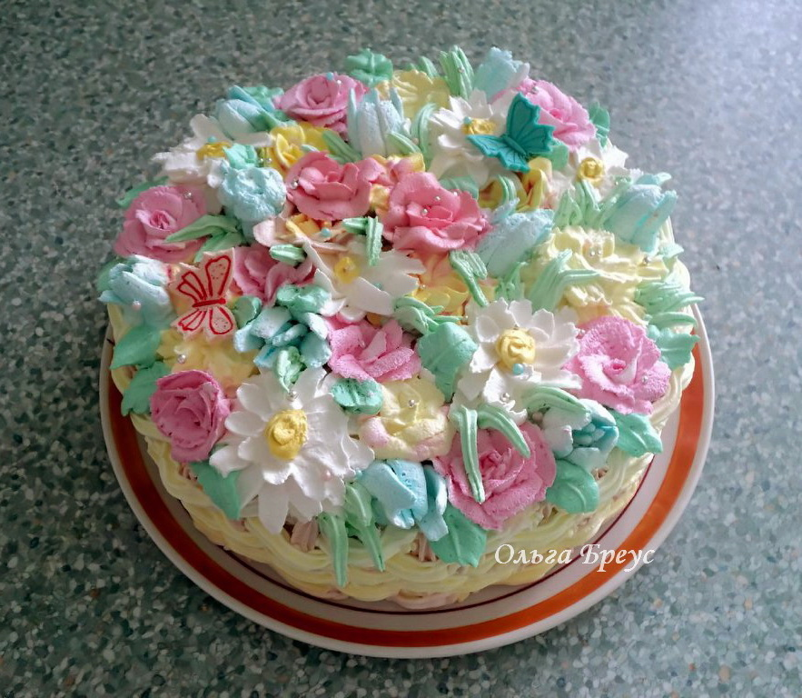 Бисквит с кремом а-ля маскарпоне. Мой тортик для мамы.