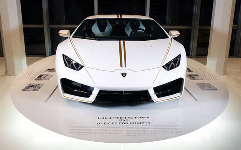 Lamborghini Huracan папы рим…