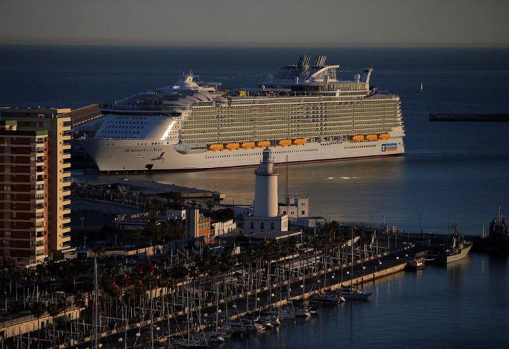 Как выглядит самый большой круизный лайнер в мире
