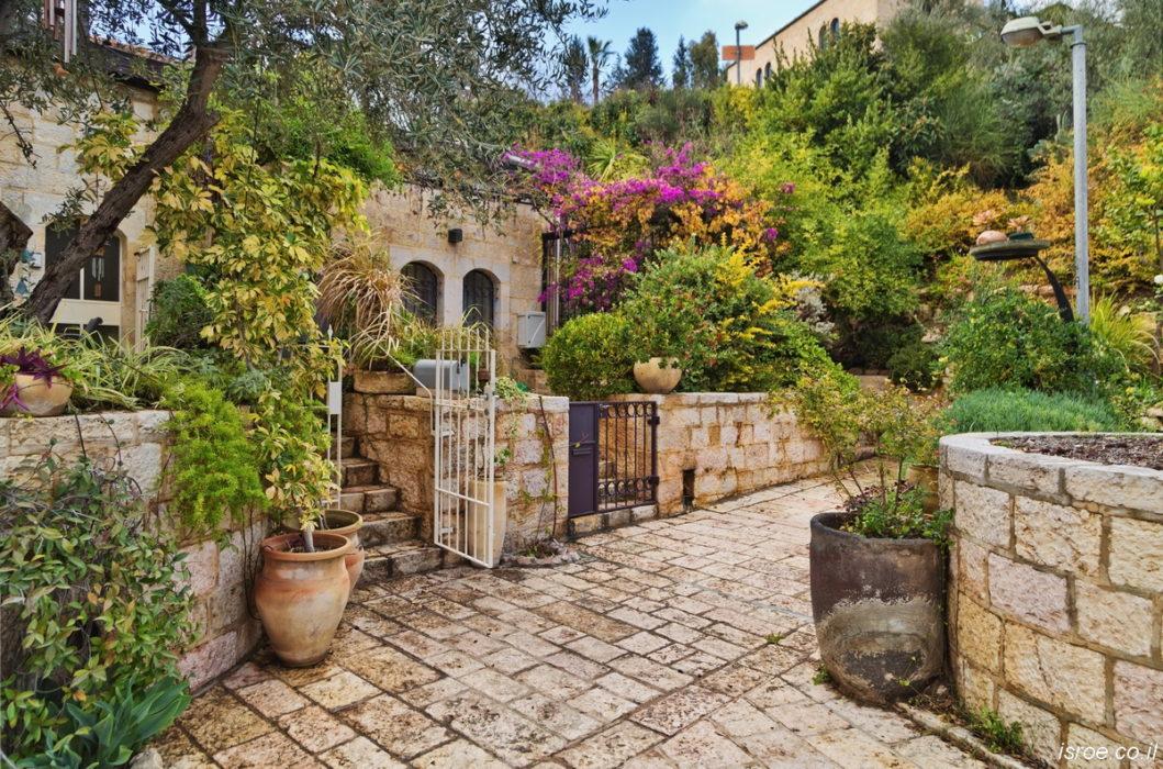 Ямин Моше — аутентичный иерусалимский квартал с вкусом старины (район художников и творческих людей)