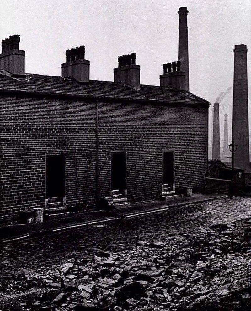 Дома шахтеров без окон, Восточный Дарем в северо-восточной Англии c.1937 Биллом Брандтом. история, ретро, фото