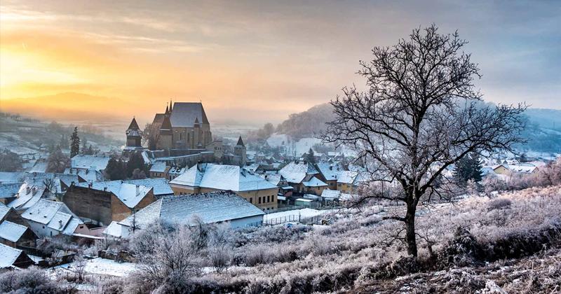 Завораживающая природа и старые традиции Румынии