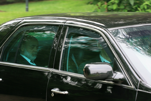 Председатель Федеральной резервной системы США Бен Бернанке покидает Бильдербергскую конференцию. 2008