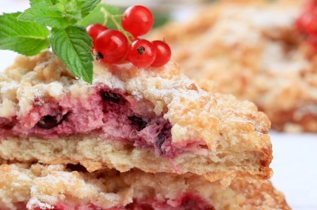 Сочетание сразу двух ягод возможно в этом блюде.