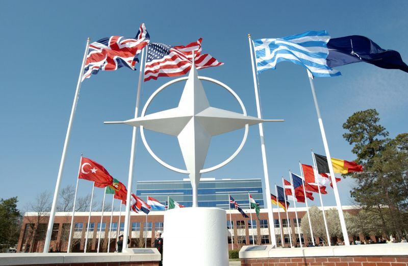Британцы считают, что НАТО разваливается