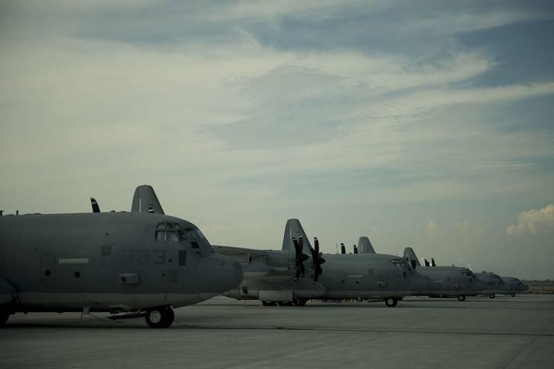 Нести больше крылатых ракет или БПЛА: американские ВВС хотят самолёт-арсенал