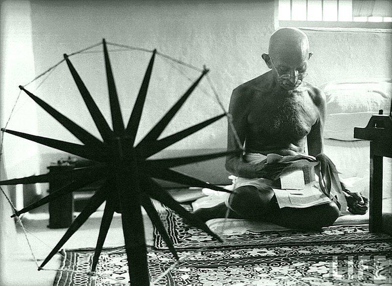 Маргарет Бурк-Уайт - Махатма Ганди, Индия 1946 Весь Мир в объективе, история, фотография