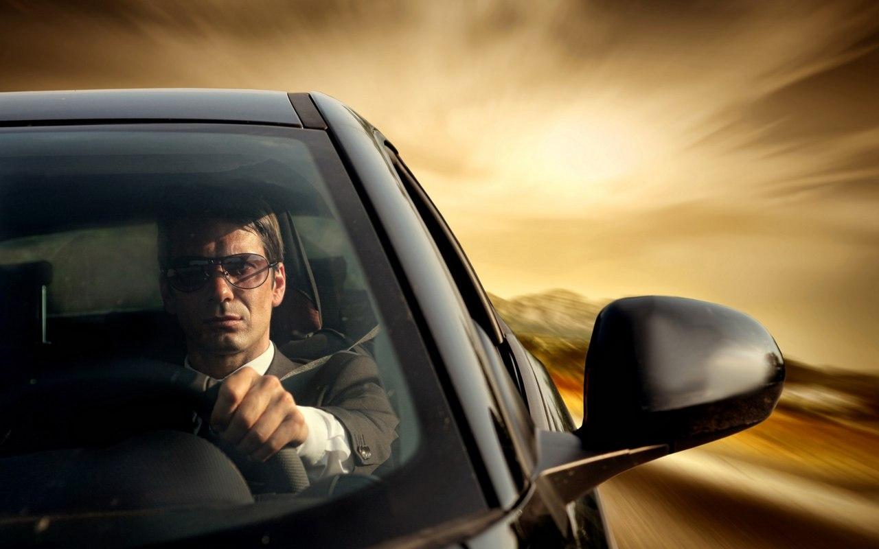 Картинка автомобилистам, красивым цветком открытка