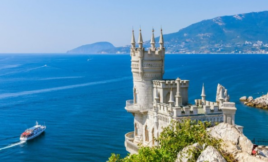 Финские туристы хотят посещать Крым в безвизовом режиме
