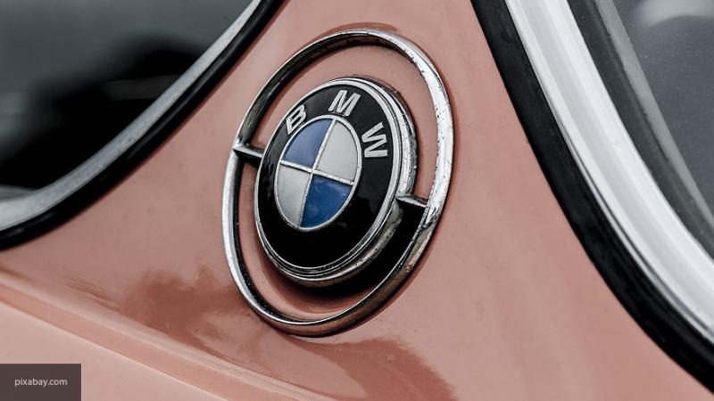 BMW показала на тизере обновленный седан BMW 7-Series