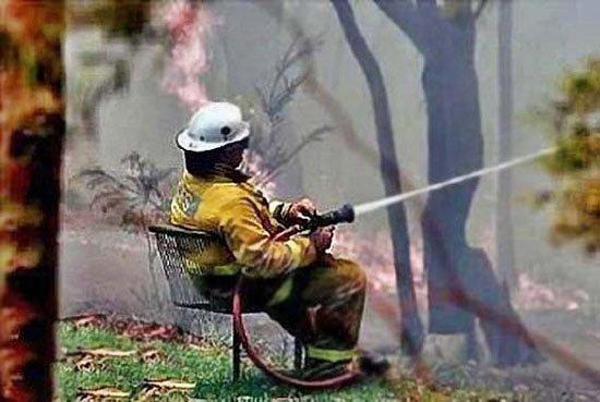 Кстати, знаете обязательный атрибут пожарника? Верно: хороший садовый инвентарь идеальная работа, крутая работа, не заморачиваются, отдыхают на работе, работа в кайф, работяги, счастливчики