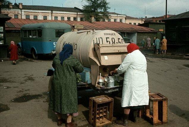 Молочница на рынке. Иркутск, 1965 СССР, история, фото