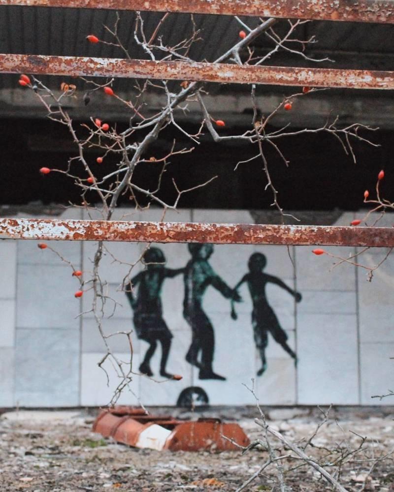 А ещё здесь есть «тени» Припять, Чернобыль, зона, туризм, чаэс, экстрим