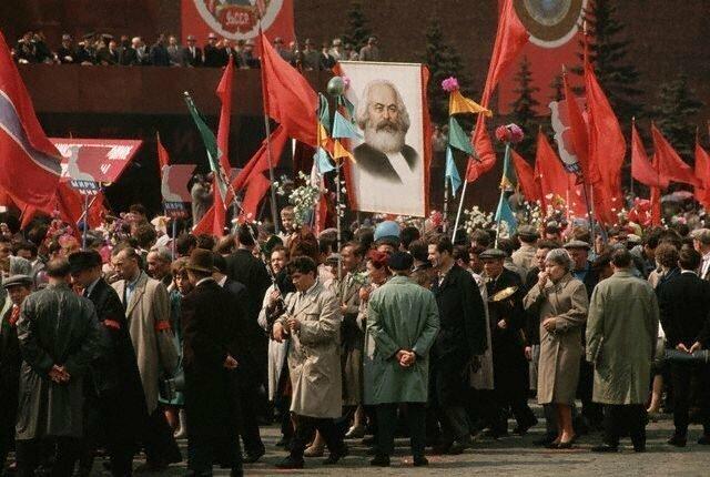На первомайской демонстрации в Москве, 1964 СССР, история, фото