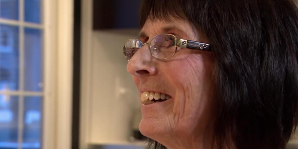 Как внуки спасли бабушку во время сердечного приступа, произведя реанимационные действия