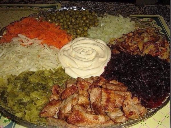 Картинки по запросу Оригинальные идеи салатов и закусок на праздничный стол