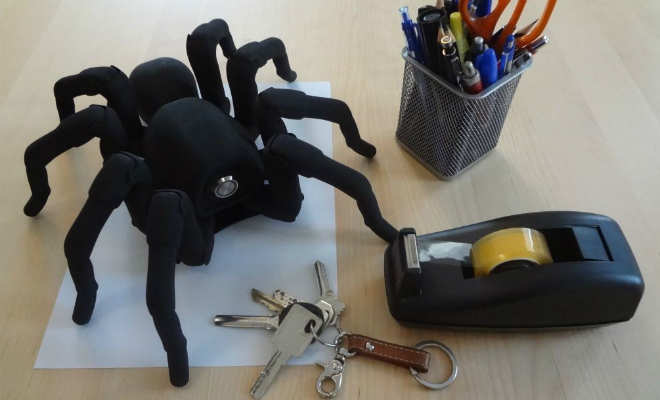 Инженер сделал механического паука с 26 моторами, и он двигается почти как живой Культура