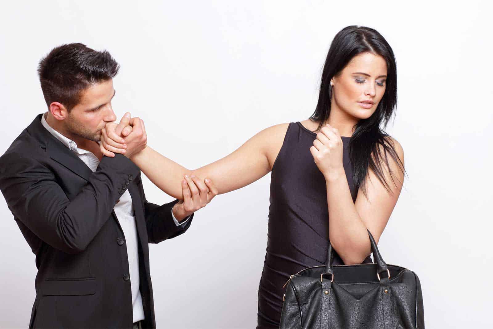 картинки о мужчинах боящихся своих жен вместо ряженки добавляю