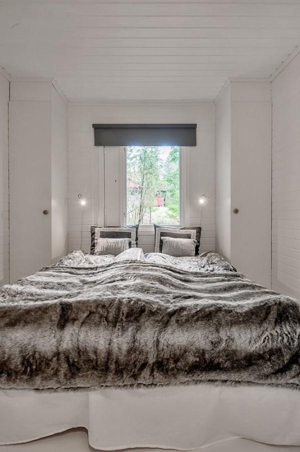 Шведский дом в живописном месте Фото