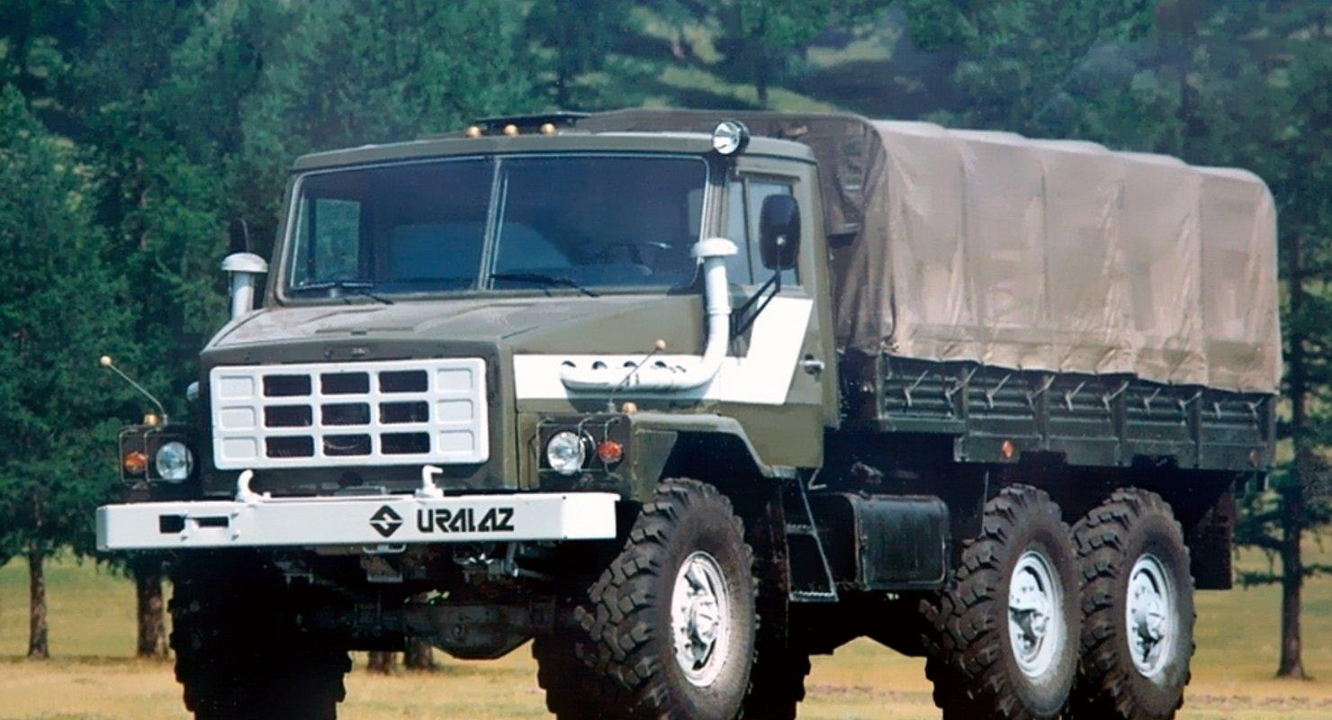 Урал-43223 — очень редкий грузовик с кабиной от КАМАЗа и немецким двигателем Автомобили
