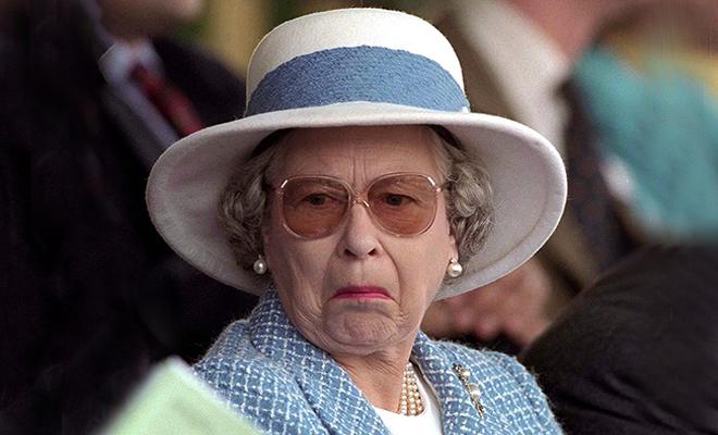 Когда что-то пошло не так: курьезные ситуации с участием Кейт Миддлтон, Меган Маркл, Елизаветы II и других монархов
