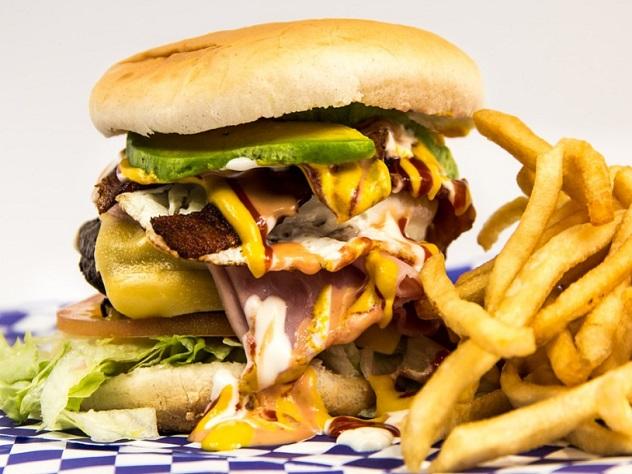 Рестораны Великобритании будут считать калории для борьбы с детским ожирением