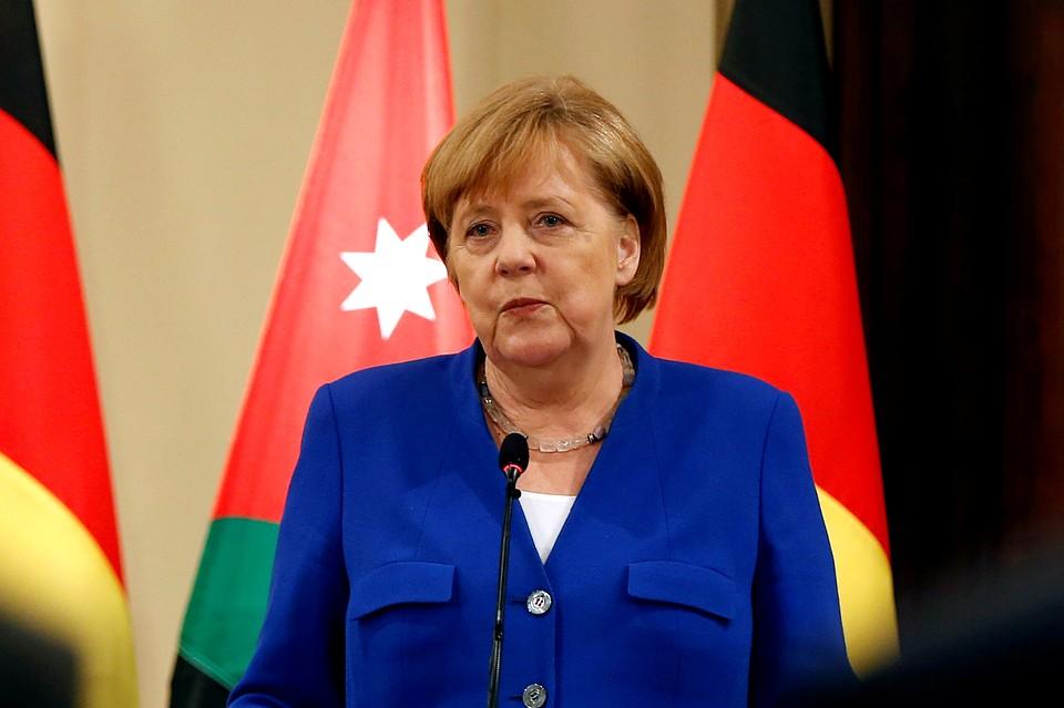 Каждый второй немец хочет отставки Меркель