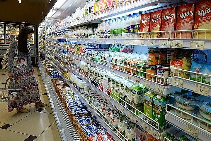Молоко в полиэтиленовой таре признали опасным для человеческого организма