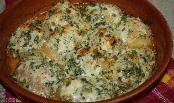 Аппетитная картошка, запеченная в чесночном масле