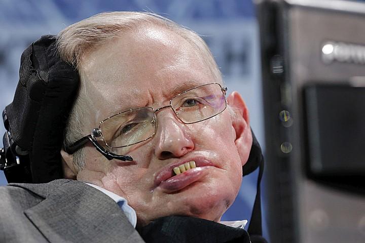 Стивен Хокинг чуть не умер в Москве от бесплатной медицины и плохой еды