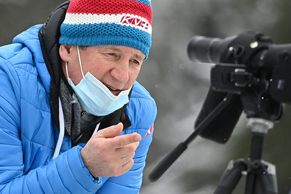 Тренер российских биатлонистов заявил о нехватке денег на проведение сборов