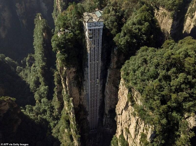 Лифт Ста драконов: головокружительная достопримечательность Китая адреналин,Китай,лифты