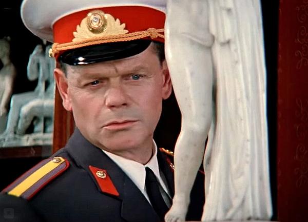 Мечтал о главных ролях, играл в эпизодах. Виктор Уральский – актер, снявшийся в 11 фильмах Леонида Гайдая