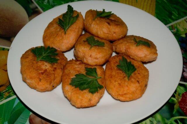 Блюдо для поста: рыбные котлеты