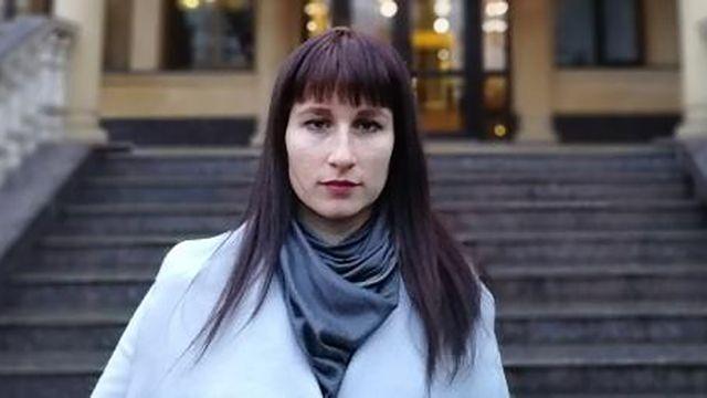 Директор школы в Сочи, уволивший разместившую в Сети ролик о сломанной мебели учительницу, уволился сам