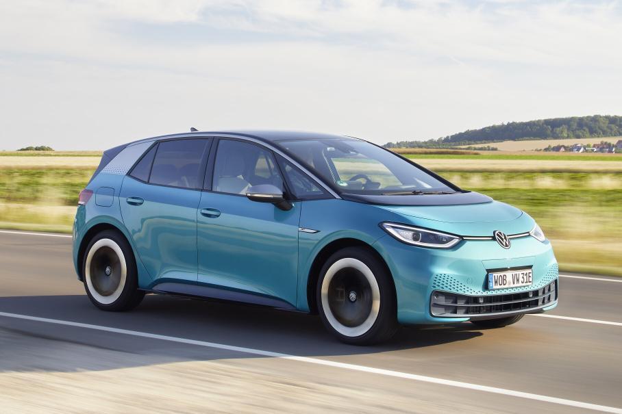 Внедорожный Porsche 911, Jeep Grand Cherokee L и «гиперэкран» Mercedes-Benz EQS: главное за неделю Новости