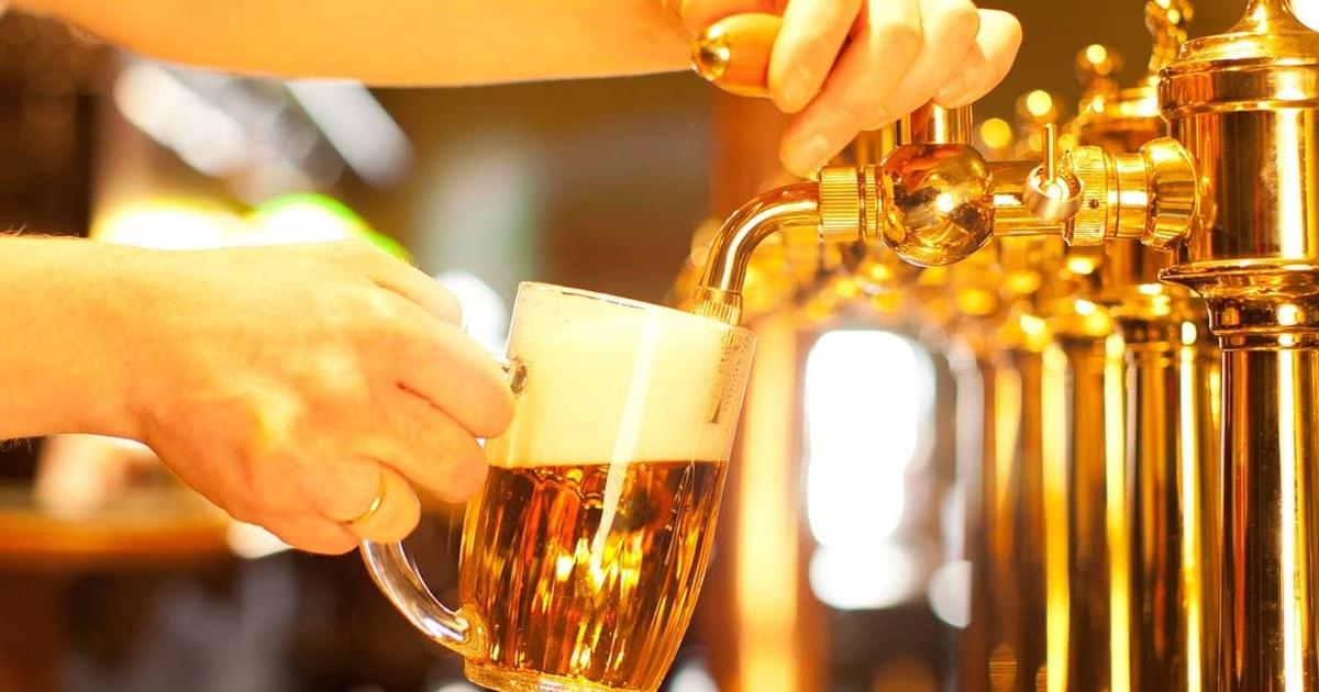 Минкомсвязь поддержала законопроект о сохранении рекламы пива в России