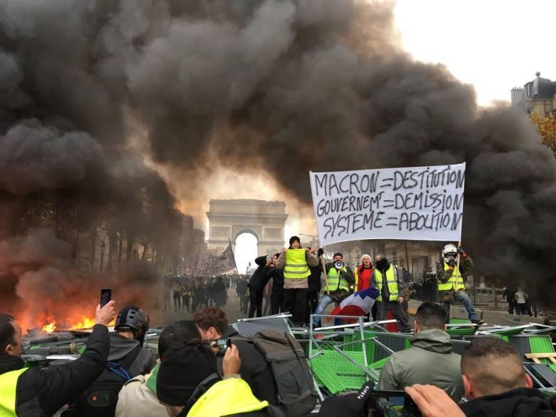 Протесты в Париже: задержано уже более 1700 человек