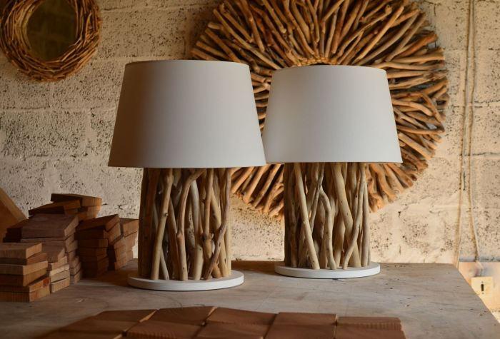 Простые светильники из веток способны создать располагающую к отдыху атмосферу.