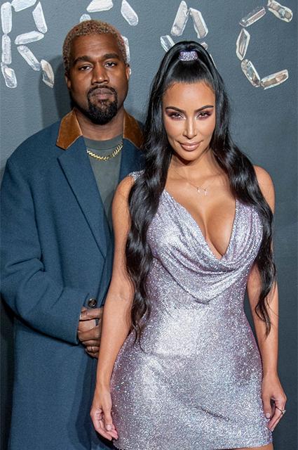 """""""Это был сложный год"""": Ким Кардашьян дала редкое интервью после объявления о разводе с Канье Уэстом Звездные пары"""