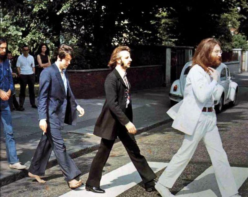 Кадры с фотосессии The Beatles для обложки к альбому Abbey Road