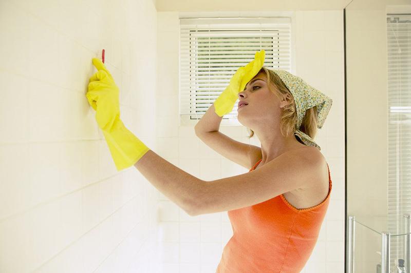 Как убрать любые загрязнения на плитке без следа