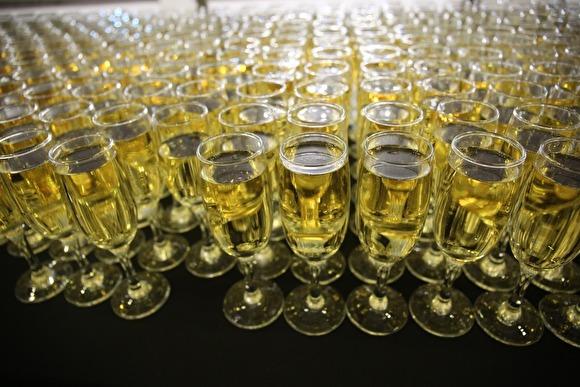 """""""ЗОЖ-это ложь"""": В России число смертей от отравления алкоголем выросло почти на 12%"""