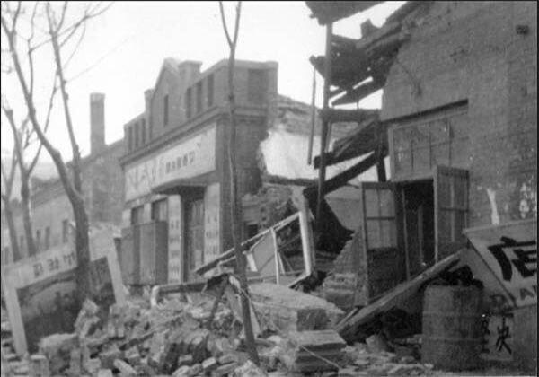 6. В 1975 году благодаря животным жителей города эвакуировали до начала разрушительного землетрясения горилла, истории, кино, китай, корея, факты, япония