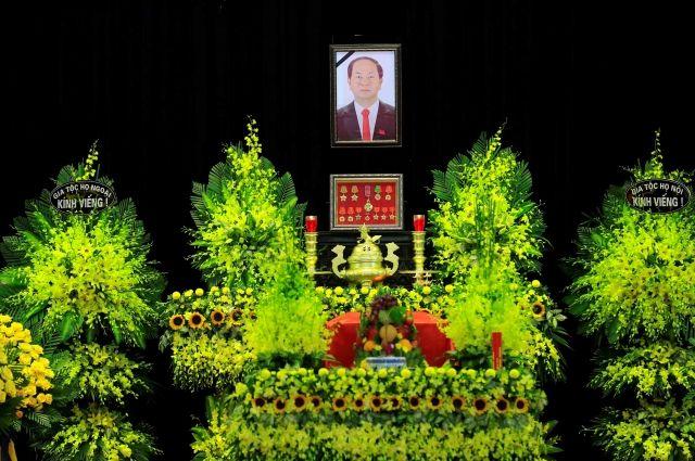 Во Вьетнаме проходит прощание с президентом Чан Дай Куангом
