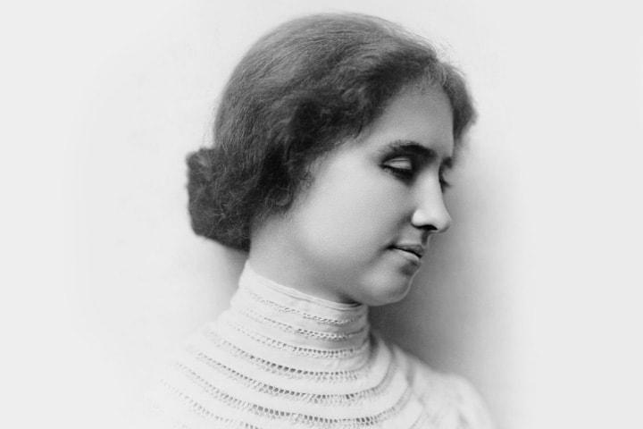 История жизни слепоглухой писательницы