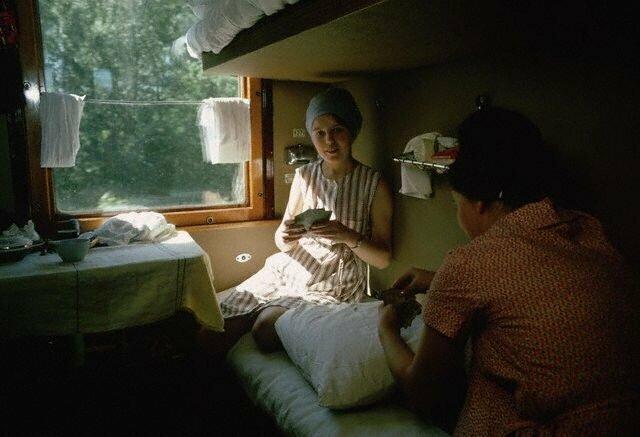 В купе поезда. Транссибирская магистраль, 1966 СССР, история, фото