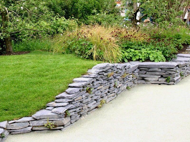 Подпорная стенка в дизайне сада