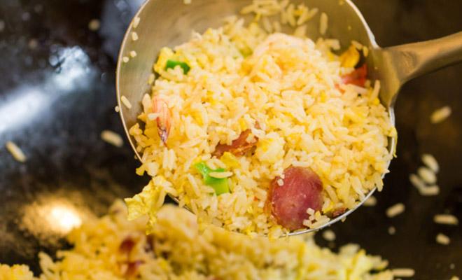 4 правила идеального жареного риса